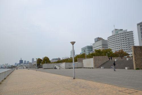 海辺の広場