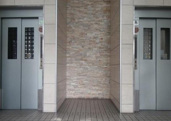 エレベターの画像