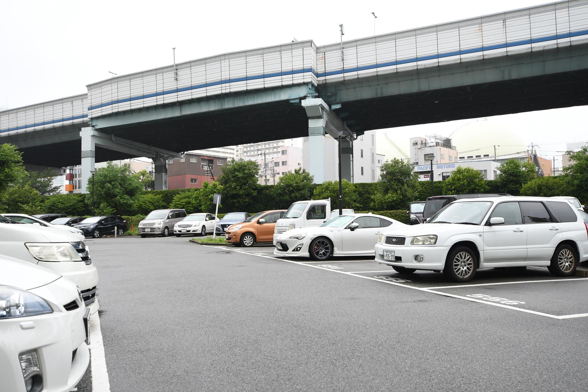 HAT神戸脇の浜の駐車場