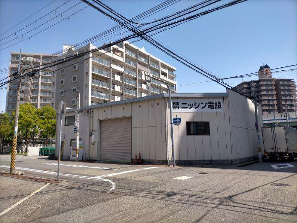 兵庫駅まで道路幅が広い