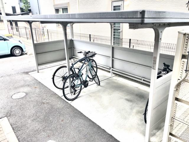 民間賃貸物件にはバイク置き場が少ない理由
